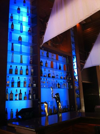 Baros Maldives: Sails Bar