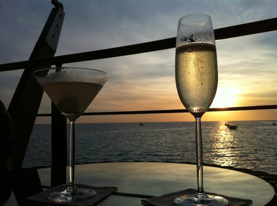 Baros Maldives: Sundowners at Lighthouse Baros