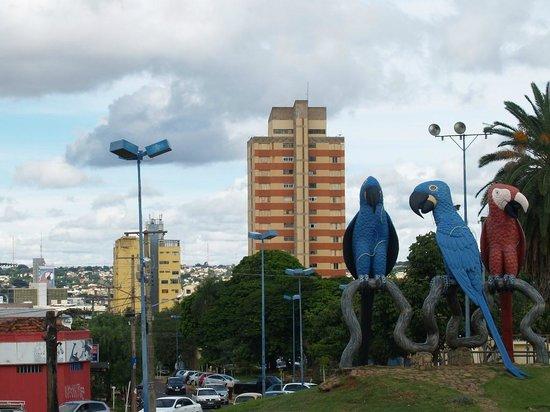 Vista da Praça das Araras para centro de Campo Grande