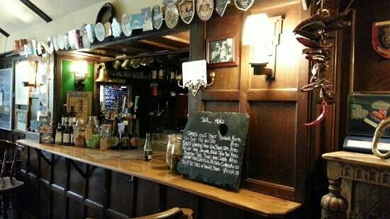 The Journeys End Inn : The bar