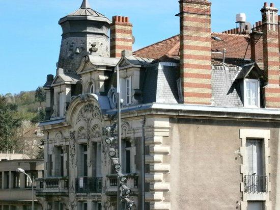 Ibis Styles Le Puy-en-Velay Centre : facade maison