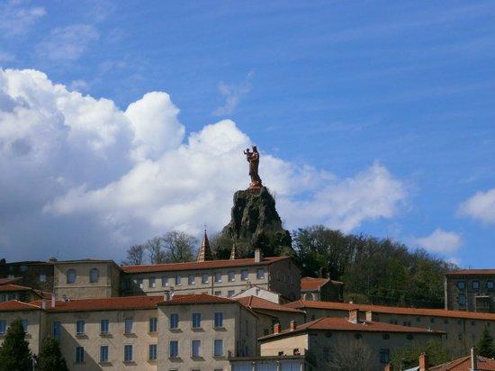 Ibis Styles Le Puy-en-Velay Centre : le rocher la vierge