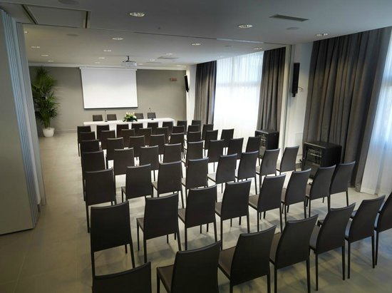 DB Hotel Verona Airport and Congress: sala meeting