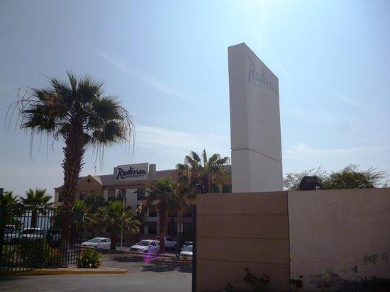 NH Iquique: Entrada al hotel