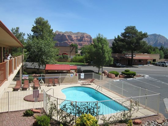 The Views Inn Sedona: Pool