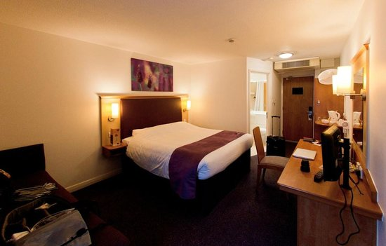 Premier Inn London Heathrow Airport (Bath Road) Hotel: Double room