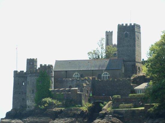 Dart Marina Hotel and Spa: Dartmouth Castle & Local Church
