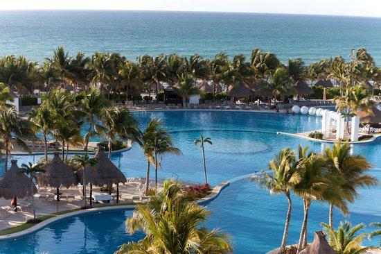 Mayan Palace Riviera Maya: Shimmering Pools