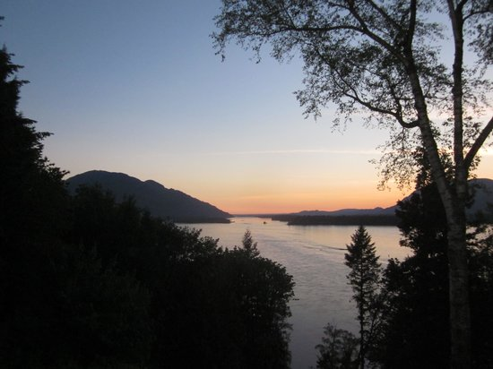 The Fraser River's Edge Bed & Breakfast Lodge: Amazing view