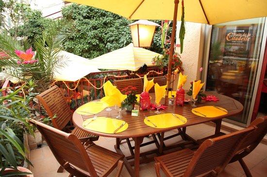 La Chauviniere: terrasse sympathique en teck