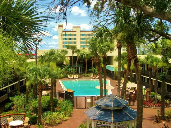 Ramada Kissimmee Gateway: Heated Pool  and Garden Area