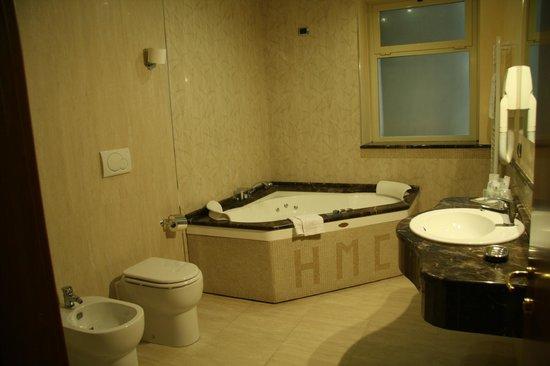 Montecarlo Hotel: Bains