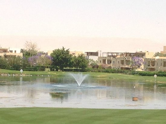 Stella Di Mare Golf Hotel, Ain Sukhna : The lake view