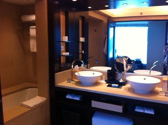 cuarto de ba o picture of hotel arts barcelona barcelona rh tripadvisor ie