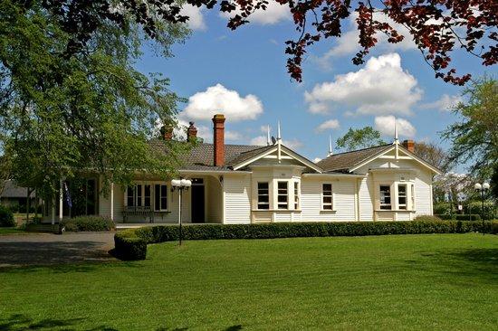 Oak Lane Lodge: Looking back to the Lodge