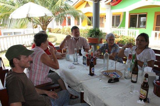 Restaurante Rainbow Village: Stammtisch 13.04.12