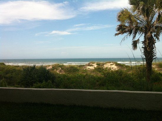 Beachers Lodge: View from patio