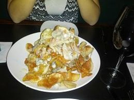 J. Gilbert's Wood-Fired Steaks and Seafood: Maytag blue cheese potato chips