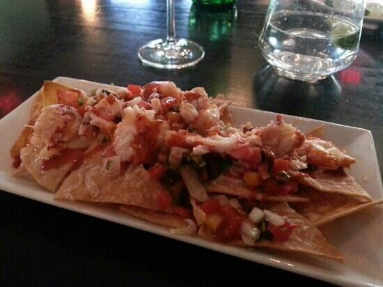 Vin Room: Lobster nachos