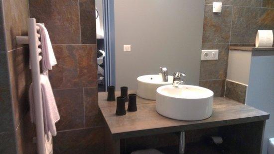 Hotel Au Bon Coin Salle De Bain Superbe Douche A L Italienne
