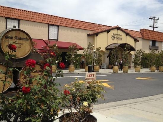 San Antonio Winery - Los Angeles: 外観です〜