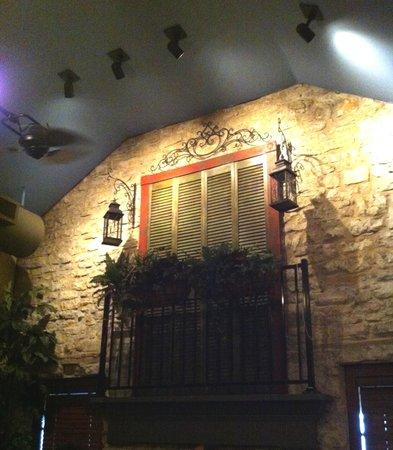 French Quarter Round Rock: Interior Decoration