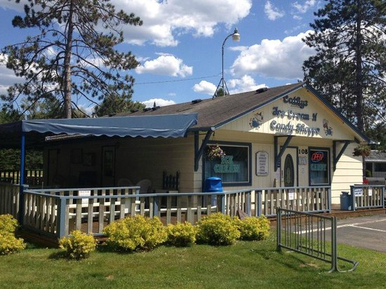 Cathy's Ice Cream & Candy Shoppe: Cathy's Ice Cream N Candy Shoppe