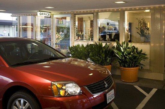 วาร์ฟ อินน์: Wharf Inn Lobby