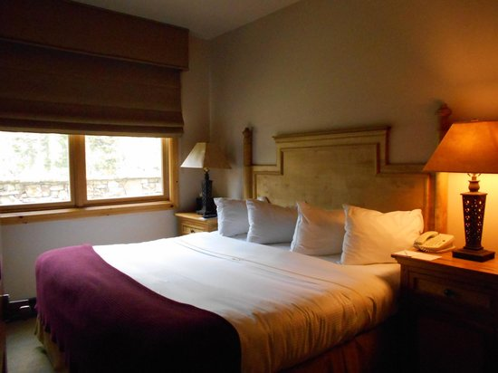 Mountain Lodge Telluride: King Size Bed