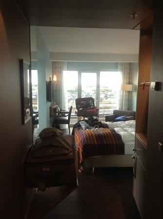 Tivoli Hotel: the room