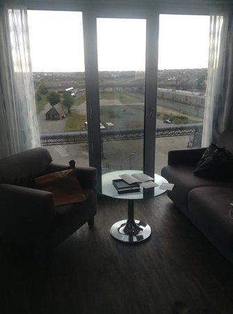 Tivoli Hotel: the suite extra sitting room