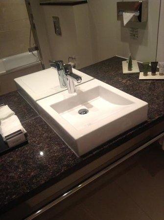 Tivoli Hotel: bathroom sink - very clean