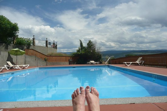 ليك أوكاناجان ريزورت: The pool