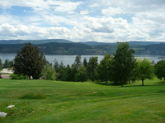 Lake Okanagan Resort: golf course