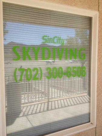 Sin City Skydiving: SCS window
