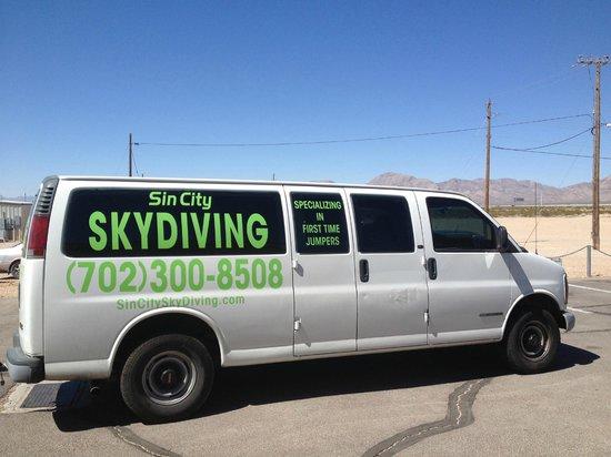Sin City Skydiving: Shuttle van from landing spot