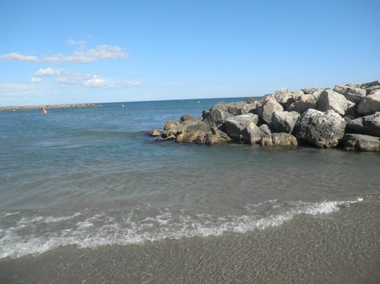 Hotel Le Carnon : la plage à 50 m