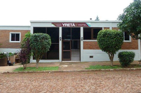 Yreta Hotel: Hotel Yreta. Frente
