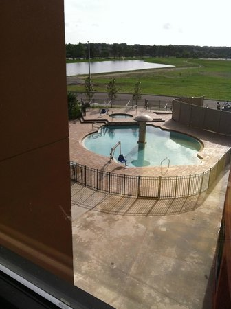 Marble Waters Hotel & Suites: Pool View from hallway outside our 3rd Floor room.