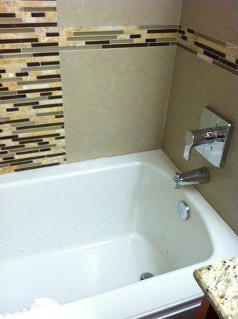 Marble Waters Hotel Suites Spa Tub