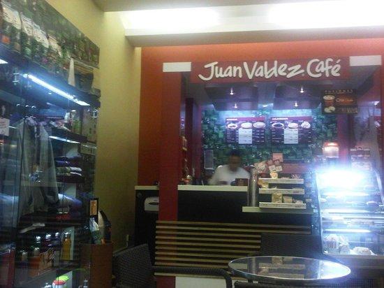Casa Dann Carlton Hotel & SPA: Café en un sector de la Planta Baja