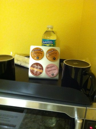 Marble Waters Hotel & Suites: Coffees and Water