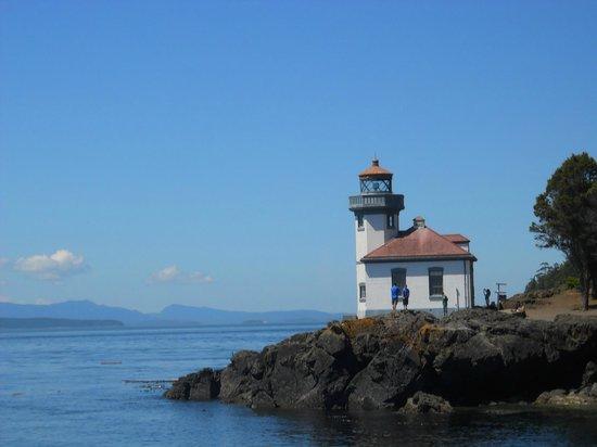 Discovery Inn: San Juan Islands Washington  .Lime Kin Point S.T. Park