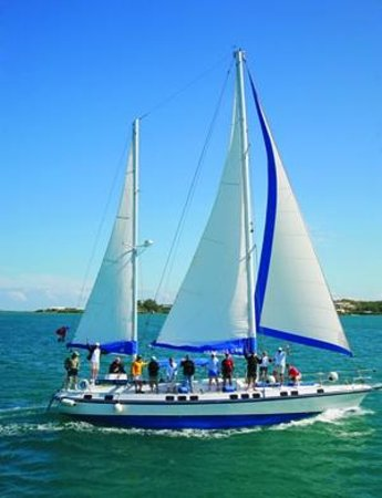 Sail Bermuda Private Charters: Cracking along!!!