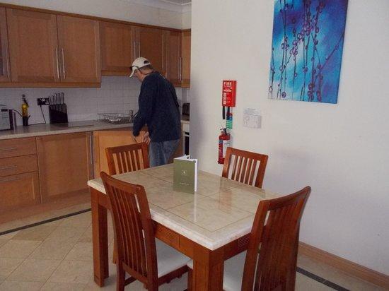 Park Place Apartments: Kitchen