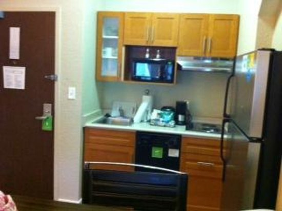 HYATT house Sterling/Dulles Airport-North : Kitchenette