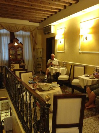 Ca' del Nobile: Our lovely breakfast area