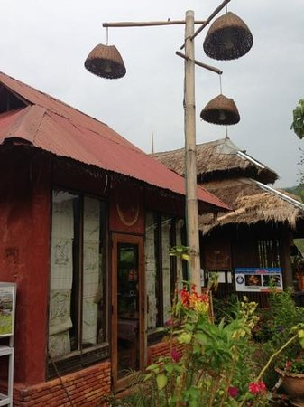 Boklua View Resort: souvenir shop