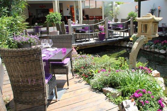 Balaruc-les-Bains, Frankreich: terrasse avec bassin