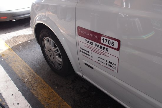 Hotel Rinascimento: Taxi from the airport-a flat rate